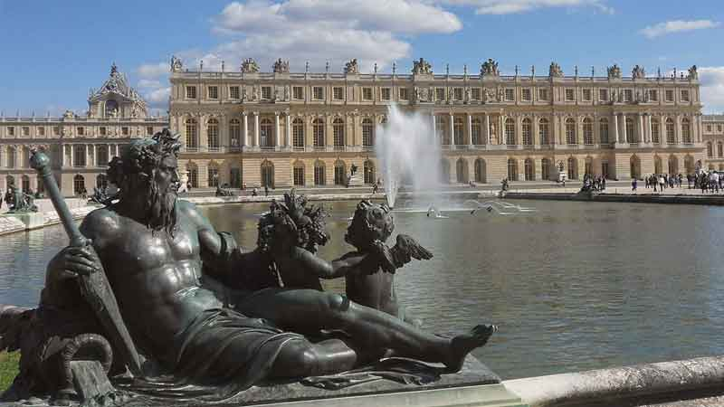 review-news--Versailles-Palace-site