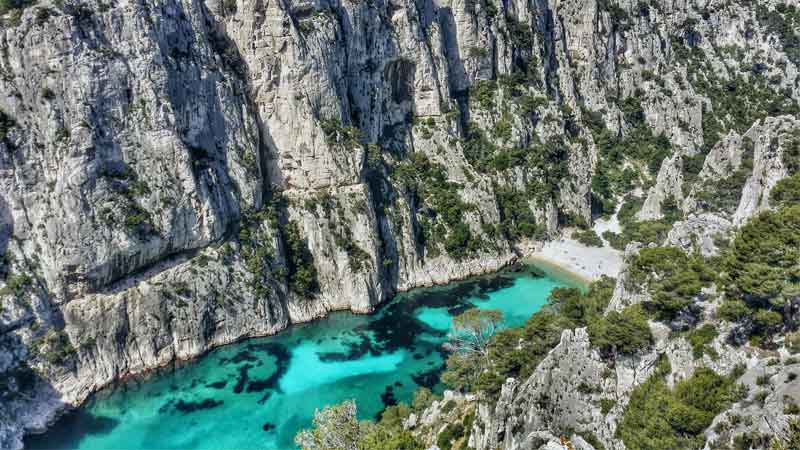 CALANQUES-NATIONAL-PARK-news-side
