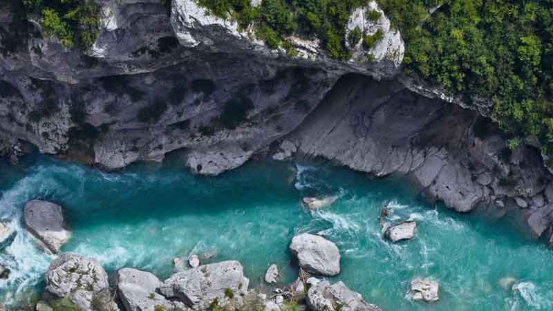 review-side-Les-Gorges-du-Verdon